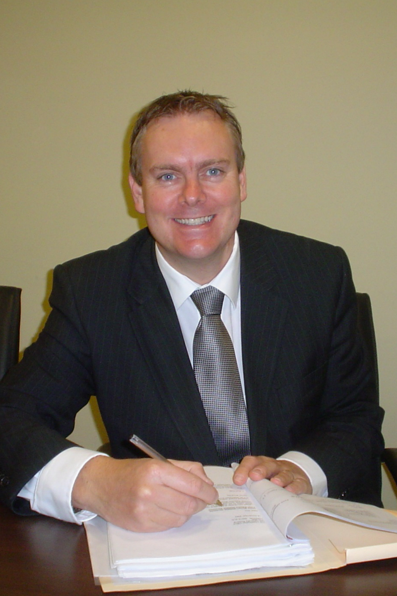 English and Spanish Solicitor Jonathan Sutton